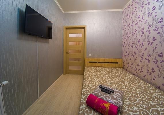 2-к. квартира на сутки в Киеве. ул. Богатырская 6а, 10 этаж