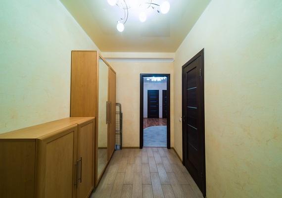 2-к. квартира на сутки в Киеве. ул. Калнышевского, 7, 2 секция
