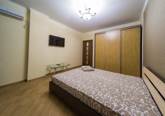 1-bedroom apartment, street Bogatyrskaya 6a, 2 floor