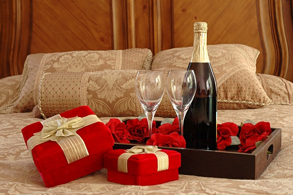 Romantic evening in the apartment for rent in Kiev