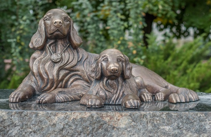 Monument of canine loyalty