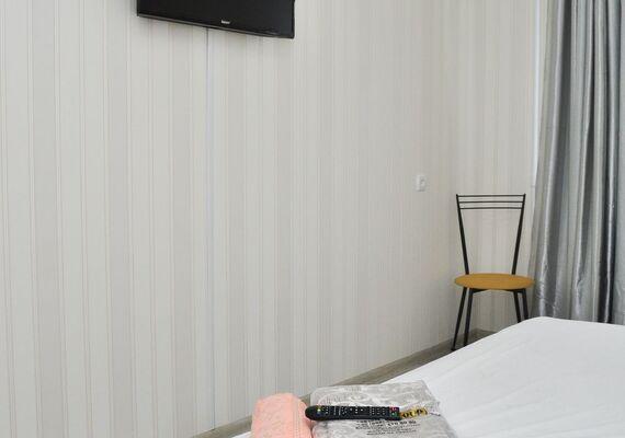 2-к. квартира на добу в Києві. пр-т. Героїв Сталінграда 17