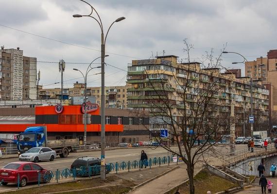 2-к. квартира на добу у Києві. вул. О. Архипенка 4
